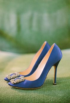 Blue Manolo Blahnik Shoes | photography by http://rebeccaarthurs.com