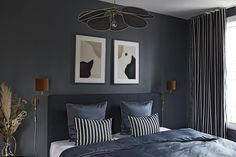 Luxurious bedroom in blue tones and many beautiful details. Blue Tones, Ikea Hacks, Modern Lighting, Dorm, Master Bedroom, New Homes, Interior, Inspiration, House