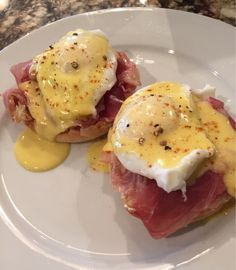 My eggs Benedict--I didn't have pea earl bacon so I used prosciutto instead! #TTDD