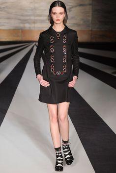 Matthew Williamson Fall 2014 Ready-to-Wear Fashion Show - Marta Dyks