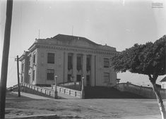 Palácio Rio Branco, sede do Governo do Acre, em 1940. Rio Branco (AC). Arquivo Nacional. Fundo Agência Nacional. BR_RJANRIO_EH_0_FOT_EVE_15723_0013 Acre, Rio, 1940, Louvre, Mansions, House Styles, Building, Travel, National Archives