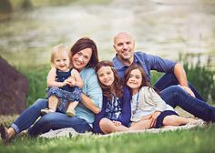 Jessica Hamlin is a Seattle, WA Photographer specializing in newborn, baby and family photography. Serving Seattle, Tacoma and surrounding areas. Family Maternity Photos, Family Posing, Family Photos, Couple Photos, Children And Family, Maternity Photography, Family Photographer, Cute Pictures, Seattle