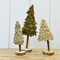 These super cute tabletop Christmas trees are made from upcycled materials. The tree is made from a toilet paper tube and repurposed sweaters. Tabletop Christmas Tree, Christmas Tree Crafts, Felt Christmas, Country Christmas, Christmas Decorations, Christmas Ornaments, Xmas Trees, Christmas Time Is Here, Upcycled Crafts