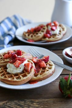[ Healthy Breakfast Ideas : – Image : – Description Grain-Free Almond Flour Waffles made in your blender for a quick, healthy paleo breakfast. Gluten-free, dairy-free and delicious! -Read More – Sharing is power – Don't forget to share ! Almond Flour Waffles, Banana Waffles, Low Carb Waffles, Healthy Waffles, Healthy Breads, Healthy Sugar, Healthy Breakfasts, Healthy Recipes, Paleo Breakfast