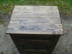 concealed hidden gun compartment pallet wood di UpTheCreekRustic