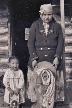 Kootenai woman and children - circa 1910
