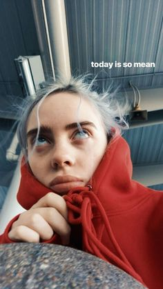 Billie eilish, fondos de pantalla и fondos para iphone. Billie Eilish, Wallpapers Android, Mode Ulzzang, Videos Instagram, Outfits Casual, Her Music, Favorite Person, Me As A Girlfriend, Funny Videos