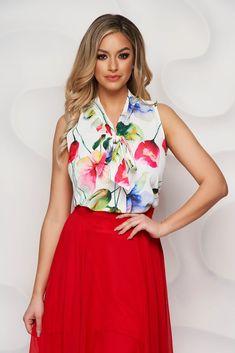 Bluza StarShinerS realizata din material vaporos, cu croi larg, maneci scurte si decolteu in V. Gulerul este tip esarfa. O bluza feminina, eleganta si vesela, datorita imprimeului floral colorat. Floral, Skirts, Fashion, Moda, Fashion Styles, Flowers, Skirt, Fashion Illustrations