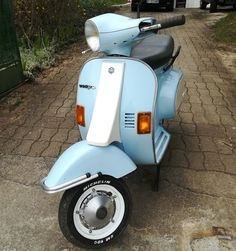 Vespa 50 Automatica old blue 1991 France