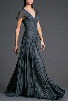 What Lyarra Stark, mother of Brandon, Eddard, Lyanna and Benjen, would have worn, Dennis Basso