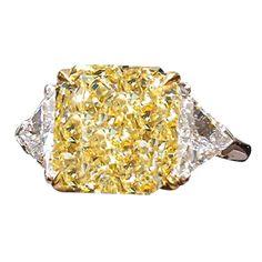 2 carat fancy yellow diamond platinum engagement ring   Elegant 4.61 carat Yellow Diamond Ring