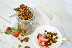 15-Minute Turmeric and Honey Granola