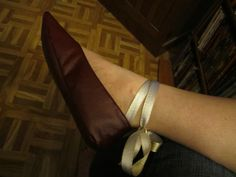 Walkthrough on how to make these Regency style slippers.