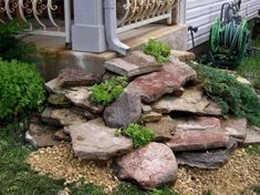 Impressive Front Porch Landscaping Ideas to Increase Your Home Beautiful 036