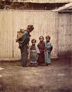 Une mère et ses quatre enfants • 1880 ? Felice Beato et/ou Raimund von Stillfried-Ratenicz