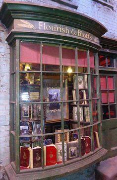 Haha, book shops and Harry Potter, all things I love. #Reading #HarryPotter #Fantasy #Magic