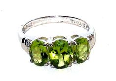 Peridot-3-stone-ring-3-00-carats-size-7-Silver-USA-Seller