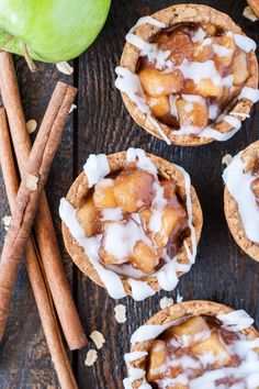 These Apple Crisp Cookie Cups combine classic oatmeal cookies with homemade apple pie filling for the perfect comfort food. | livforcake.com