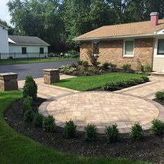 Create the walkway you have always dreamt of! Cambridge Pavingstones with ArmorTec will be sure to be the envy of your guests. Installation: Designs by Longo Patio Stairs, Front Steps, Outdoor Living, Outdoor Decor, Building A Deck, Landscape Walls, Front Entry, Curb Appeal, Future House
