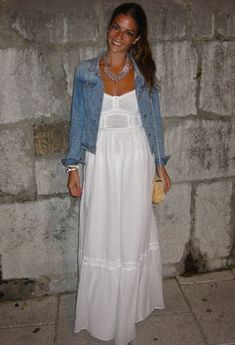 Discover and organize outfit ideas for your clothes. Decide your daily outfit with your wardrobe clothes, and discover the most inspiring personal style Skirt Outfits, Chic Outfits, Spring Outfits, Dress Skirt, Fashion Outfits, Look Boho Chic, Looks Chic, Looks Style, White Maxi Dresses