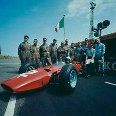 1965 Zandvoort : Lorenzo Bandini in his Ferrari 158 V-8 and John Surtees with Scuderia's crew (ph: Corbis Collection)