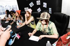 T-ara N4 hold fansigning for LA fans at VLADO