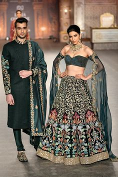 High End Luxury Green Embroidered Lehenga Choli wedding dresses designer Lehenga suits bridal dresses fashion set designer wearing wedding dresses bridal Style women fashion choli<br> Wedding Dresses Men Indian, Indian Bridal Outfits, Indian Designer Outfits, Bridal Dresses, Indian Designers, Designer Bridal Lehenga, Bridal Lehenga Choli, Saree, Lehenga Designs