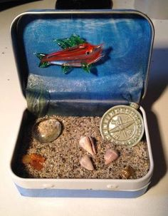 Tiny aquarium in a tin - CRAFTSTER CRAFT CHALLENGES#axzz2yVVSl88r by Annchen I would love to create a simplified version of these with the kids.