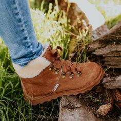 Boots ft. a soft, fuzzy collar? Count us in 😍 Shop Women's Marta: bearpaw.com/ #BearpawShoes #LiveLifeComfortably