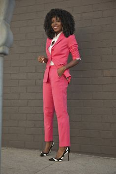 Page 2 – Daily outfits from Folake Kuye Huntoon Business Outfit Frau, Business Casual Outfits, Professional Outfits, Office Outfits, Classy Outfits, Chic Outfits, Fashion Outfits, Suit Fashion, Work Fashion