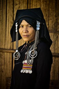 View top-quality stock photos of Akha Hill Tribe Lady With Traditional Headdress. Find premium, high-resolution stock photography at Getty Images. Ethnic Fashion, Asian Fashion, Folk Clothing, Body Adornment, Laos People, People Of The World, Dance Photography, Headgear, World Cultures