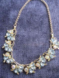 Vintage 50 's ? 60 's? Lisner ? Rhinestone Blue + Aura Borealis Golden NECKLACE #Cluster