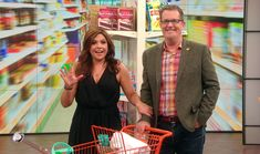 I really loved the ideas he gave for Organizing with dollar store products - Peter Walsh Clutter Organization, Organizing Ideas, Organizing Life, Organising, Peter Walsh, Clutter Control, Declutter Your Home, Getting Organized, Clean House