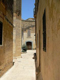 Malta, Mdina // Malta Direct will help you plan your trip