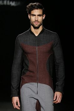 Miquel Suay presents his collection for men for autumn-winter Barcelona Fashion, 080 Barcelona, Stylish Men, Men Casual, Romper Men, Latest Mens Wear, Mens Trends, Fashion Outfits, Mens Fashion