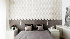 mozaika 3D, tapicerowana ściana, biel, szarości - zdjęcie od studio 1111 - Sypialnia - Styl Minimalistyczny - studio 1111