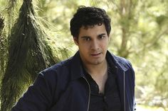Walter looking a bit rough (but still good) in Episode 19- Young Hearts Spark Fire #TeamScorpion
