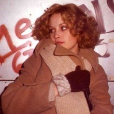Jessica Lange in the early - Be Kind Rewind Beverly Marsh, 70s Aesthetic, Dana Scully, Almost Famous, Tumblr, Celebs, Celebrities, American Horror Story, Role Models