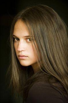 Alicia Vikander - Preciosa foto, la luz en el rostro, encantadora