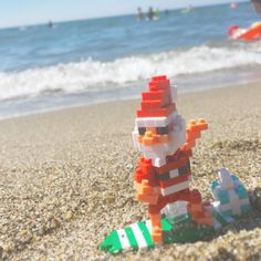 """37 mentions J'aime, 2 commentaires - nanoblock Michael (@itonoosi) sur Instagram: """"Riding the waves Santa🎅🏄 #ナノブロック #nanoblock #おもちゃ #toy #波乗り #サーフィン #夏 #summer #surfing #サンタクロース…"""""""