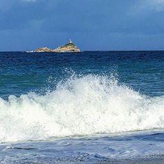 Oggi alle #ghiaie a #portoferraio era vento di #ponente e mare molto agitato ma a noi piace anche così . Scatto di @alecorcella. Continuate a taggare le vostre foto con #isoladelbaapp il tag delle vostre vacanze all'#isoladelba. http://ift.tt/1NHxzN3