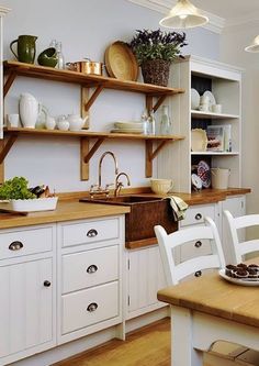 John Lewis of Hungerford kitchen. *too rustic, but nice Kitchen Interior, New Kitchen, Kitchen Dining, Kitchen Shelves, Country Kitchen, Kitchen Ideas, Georgia Homes, Home Room Design, Cool Kitchens