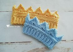 Crochet Crown Earwarmer Newborn to Toddler Sizes I had lots of request for baby sizes of Crochet Crown Earwarmer pattern. In this post I decided to share with you how to crochet smaller sizes of Crown Earwarmer. Crochet Toddler, Newborn Crochet, Baby Blanket Crochet, Crochet Baby, Free Crochet, Crochet Granny, Free Knitting, Crochet Poppy, Finger Knitting