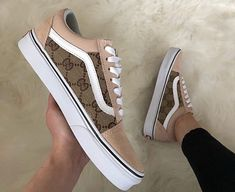 Fashionable and cool women sneaker for everytime 47 Girls Sneakers, Vans Sneakers, Vans Shoes, Black Sneakers, Sock Shoes, Shoe Boots, Dream Shoes, Shoe Closet, Custom Shoes