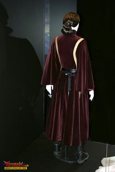 Padme Battle Dress from Star Wars the Exhibition. Photo by Toromodel.