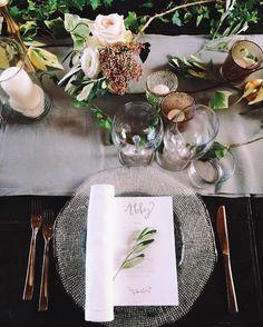 Tuscan dinner place setting #tuscanywedding #placesetting #weddingideas #tabledecor #beautifulitaly #weddinginspiration
