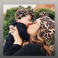 Tis is the cutest Cheetah Print newborn girl headbands. Shop now! #newbornclothes #newborn #babyheadbands #babies Baby Turban, Turban Hat, Newborn Girl Headbands, Unicorn Hoodie, Kids Suits, Baby Models, Girls Bows, Baby Girl Gifts, Baby Bows