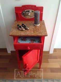 Ateliando - Customização de móveis antigos  Vermelho com turquesa...casamento perfeito!!!