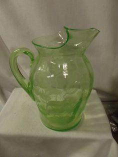 RARE ELEGANT GREEN DEPRESSION GLASS CAMBRIDGE WATER LILY PITCHER