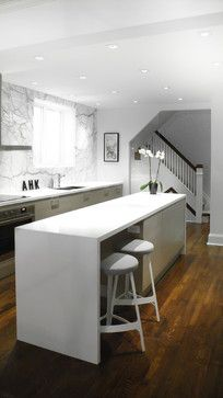 white marble slab kitchen design by croma All Modern, Modern Decor, Moore Park, White Counters, White Marble, Cool Kitchens, Kitchen Design, Kitchen Ideas, New Homes
